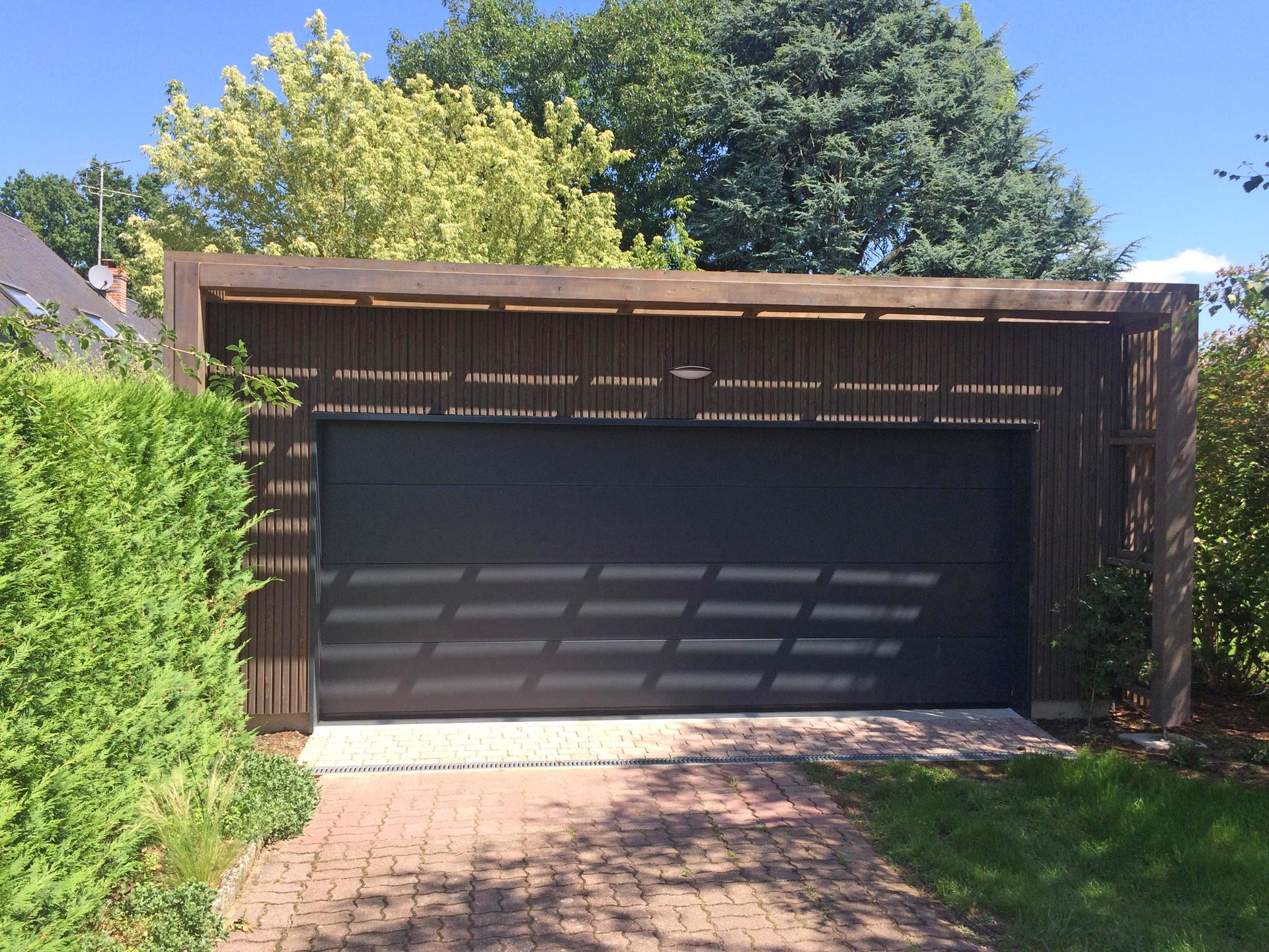 garage bois toit plat index of carport image toit plat m garage en bois massif m toit plat. Black Bedroom Furniture Sets. Home Design Ideas