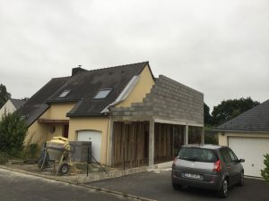 extension maison carport etage travaux parpaings 35360