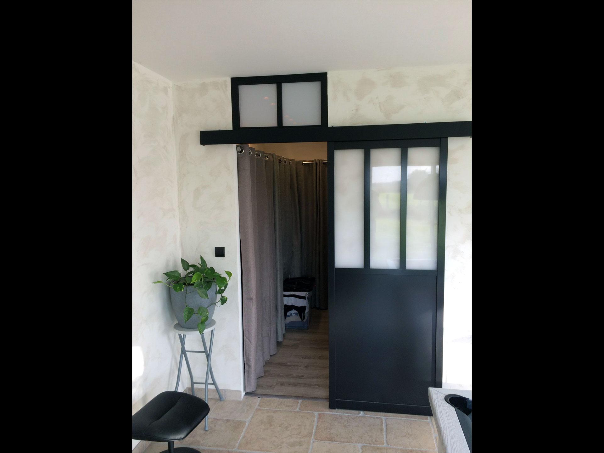 Extension Chambre porte verrière atelier dans l'extension chambre avec dressing à