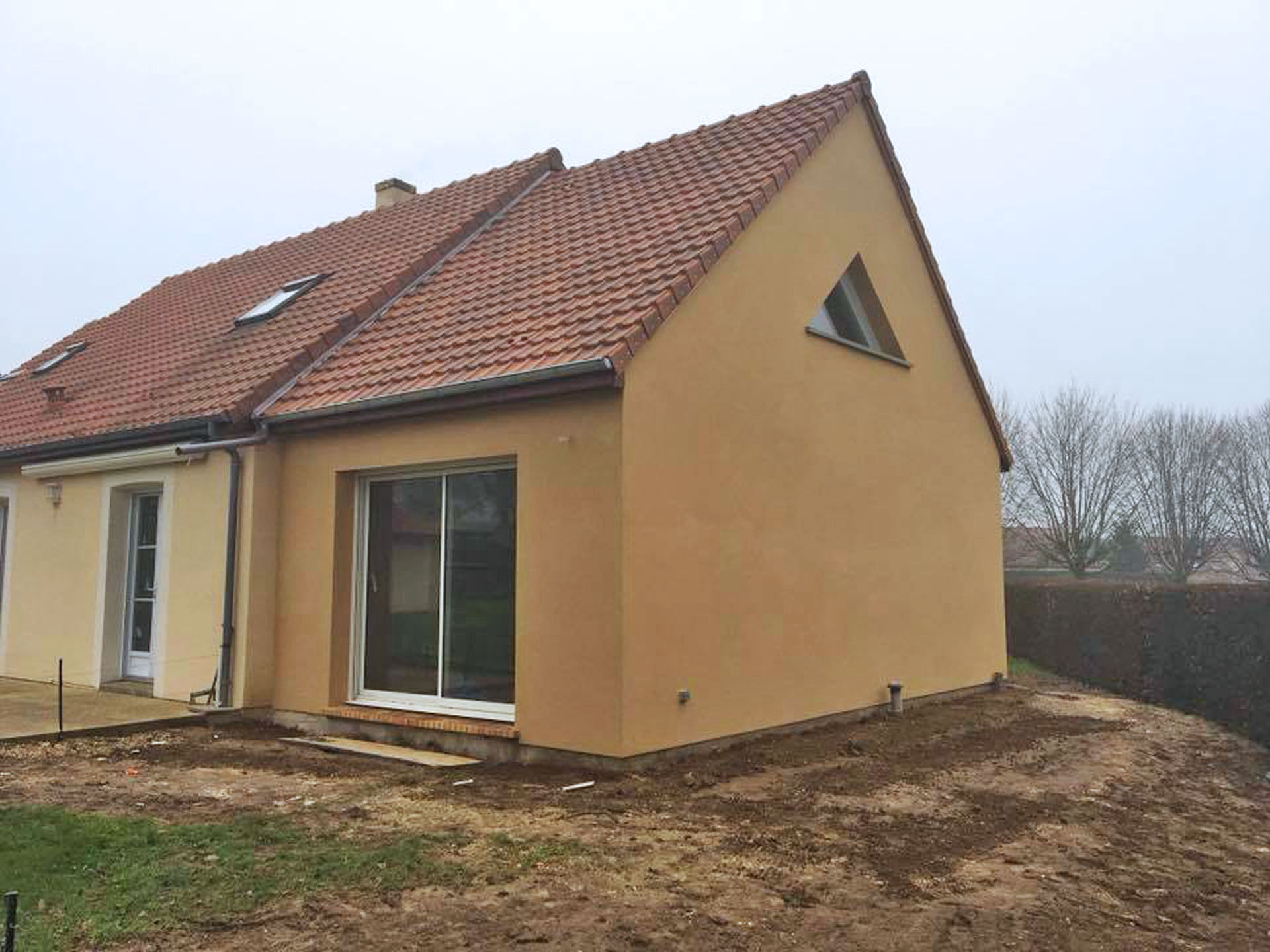 Extension et r novation de maison pr s de chartres 28000 for Extension maison tuile