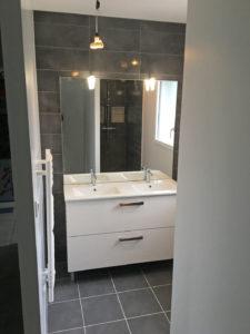 salle de bains extension maison 50110