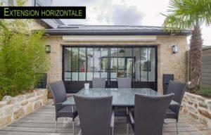 Une extension de maison horizontale en forme de T