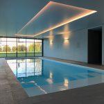 Une extension de piscine couverte à Plescop