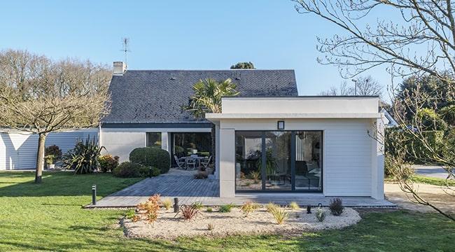 Une maison et une extension moderne