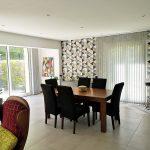 La salle à manger dans l'agrandissement de maison